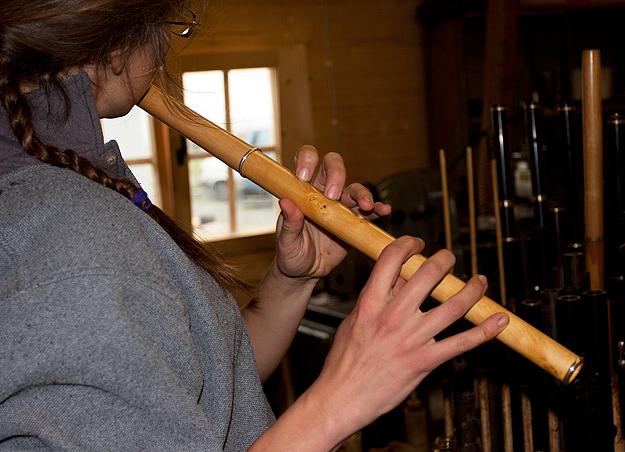 Gwenn-Frin plays a tune on a new Martin Doyle boxwood flute.