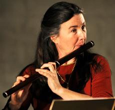 Elizabeth Petcu playing a Martin Doyle flute.
