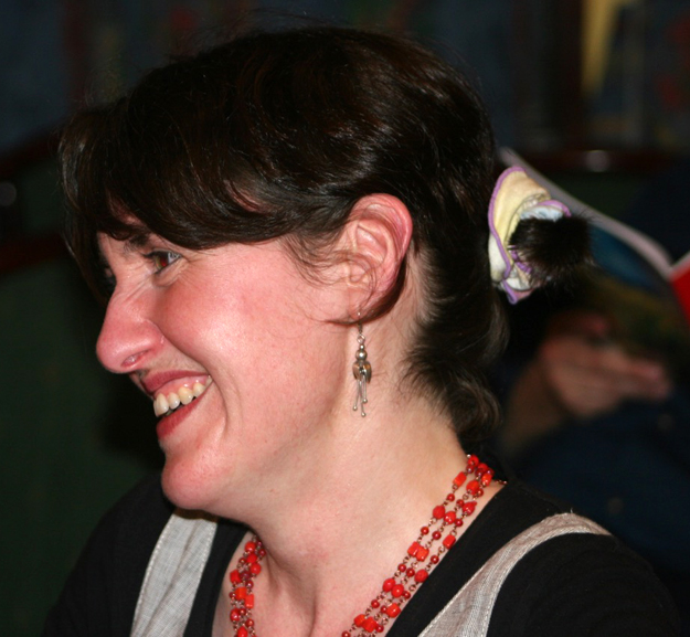 Nuala Níc Con Iomaire in 2005