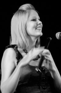 Eimear McGeown – classical and Irish flute.